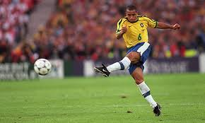 Roberto Carlos Brazil Soccer Players